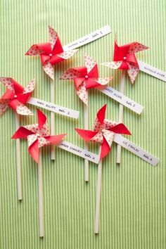 have fun with your place cards - especially if you are having a carnival styled wedding! Why not do colorful place card pinwheels? Carnival Wedding, Seating Cards, Name Cards, Pinwheels, Diy Wedding, Wedding Table, Wedding Ideas, Wedding Dinner, Party Wedding