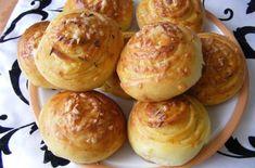 Gyors sajtos csiga | Receptkirály.hu Baked Potato, Hamburger, Muffin, Pizza, Bread, Cheese, Cookies, Baking, Breakfast