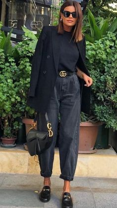 October 19 2019 at fashion / style / women / minimal / dresses / fo. - - October 19 2019 at fashion / style / women / minimal / dresses / for her / Source by Jaya_Dalby_fashion_cutie Jeans Outfit For Work, Black Jeans Outfit, Black Loafers Outfit, White Blazer Outfits, Mode Outfits, Trendy Outfits, Fashion Outfits, Workwear Fashion, Black Stylish Outfits