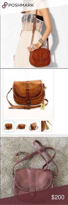 🎉 Frye Campus crossbody purse Frye dakota leather Campus crossbody in saddle color. Brand new condition with no flaws. 2 exterior slip pockets, interior lining with a back wall zip pocket, large additional compartment under flap, antiqued brass hardware, top flap with magnetic closure. Single adjustable crossbody strap.  I don't have the original dust bag but I can send it in a dooney and bourke dust bag. Price is firm Frye Bags Crossbody Bags
