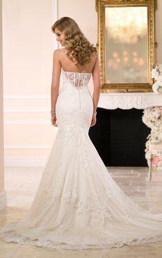 Wedding Dress   Fitted Lace Wedding Dress   Stella York