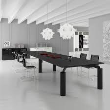 Risultati immagini per tavolo riunioni in ferro