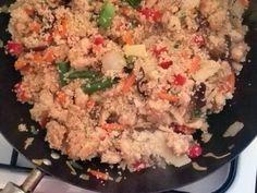 Csirkés zöldséges kuszkusz | mmarta receptje - Cookpad receptek Fried Rice, Grains, Ethnic Recipes, Food, Essen, Meals, Seeds, Nasi Goreng, Yemek
