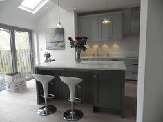 light grey kitchen shaker - Google Search Home Decor Kitchen, Kitchen Furniture, Kitchen Ideas, Kitchen Inspiration, Kitchen Living, Grey Kitchens, Home Kitchens, Fitted Kitchens, Modern Kitchens