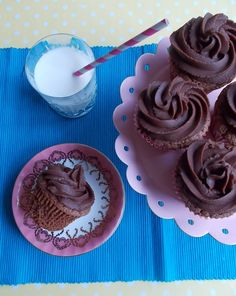 Chocolate Buttermilk Cupcakes with Chocolate Fudge Frosting | Blueberry Kitchen