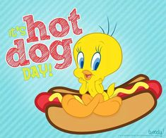 Hot tweety Classic Cartoon Characters, Favorite Cartoon Character, Classic Cartoons, Tweety Bird Quotes, Sylvester The Cat, Disney Cartoons, Photo Wallpaper, Looney Tunes, Betty Boop