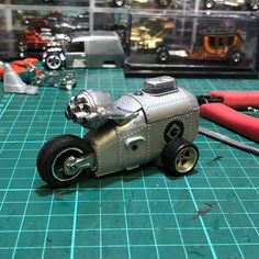 Plastic Model Kits, Plastic Models, Mad Max, Amazing Lego Creations, Car Key Ring, Custom Hot Wheels, Matchbox Cars, Figure Model, Diecast Models