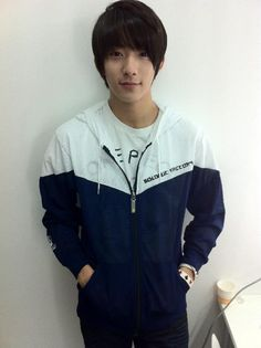 Look at my B1A4 bias; look at him. He's gorgeous <3