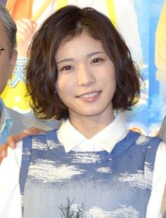 松岡茉優、イルカ調教に奮闘中「最初は試されてた」(オリコン) - Yahoo!ニュース