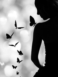 Black and White Photography - Butterflies and Girl - Silhouette Foto Art, Black And White Pictures, Pics Art, Beautiful Butterflies, Butterflies Flying, Belle Photo, Black And White Photography, Art Drawings, Art Photography