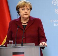 => nicht angenommene Verfassungklage von Prof. Dr. Schachtschneider!, Parteien auf die das Gesetz über kriminelle Vereinigungen explizit nicht anwendbar ist, Abgabe hoheitlicher Rechte an eine private EU Organisation..und angeblich ist das deutsche Volk der Souverän, Schröder änderte mit der Staatsangehörigkeit die Definition des dt. Volkes, Merkel & Co. versuchen darauf aufzubauen..Stop und vor den Richter, aber der Richter wird bitte durch das dt. Volk ebenso wie das Strafmaß bestimmt Der Richter, Political Events, Humor, Angela Merkel, Betrayal, Humour, Moon Moon, Jokes, Funny