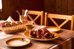 Ako od mamičky. Alebo nie?:) #smaky #chicken #food #dishes #foodlover #foodblog #recipe https://www.zlavomat.sk/zlava/559869-kuracie-kridelka-a-rebierka-s-chlebom-a-marinadou