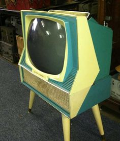 Sylvania Dualette - from www.earlytelevision.org