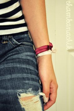 A DIY by Chambanachik on how to make those cute fold over elastic hair ties!