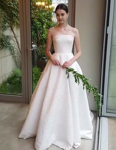Wedding dresses princess crowns and country wedding dresses sweetheart Beautiful Wedding Gowns, Luxury Wedding Dress, Black Wedding Dresses, Princess Wedding Dresses, Bridal Wedding Dresses, Lace Wedding, Ball Dresses, Ball Gowns, Mermaid Dresses