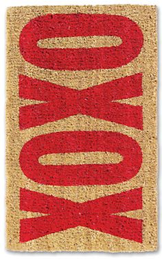 xoxo door mat - perfect for Valentine's Day! http://rstyle.me/n/equg2nyg6