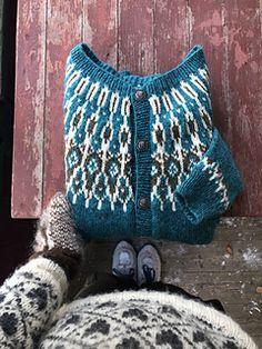 Ravelry: Tusseladdkofte pattern by Linka Karoline Neumann Norwegian Knitting Designs, Crochet Hooks, Knit Crochet, Neumann, Fair Isle Knitting, Sweater Knitting Patterns, Knitting Projects, Cardigans, Knit Sweaters