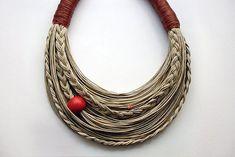 ideas diy jewelry recycled inspiration for 2019 Textile Jewelry, Fabric Jewelry, Beaded Jewelry, Beaded Bracelets, Bead Jewellery, Gold Jewelry, Handmade Statement Necklace, Handmade Necklaces, Handmade Jewelry
