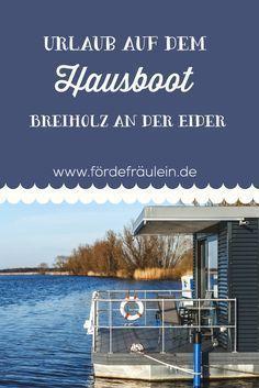 Geheimtipp: In Breiholz an der Eider in Schleswig-Holstein kannst du auf einem Hausboot übernachten! Alle Infos zur Bootsmann Lodge findest du, wenn du auf das Bild klickst!