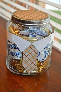 Father's Day Candy Jar -- dress up container with shirt and tie and fill with Dad's favorite treats. Easy for dad to put on his desk at work.