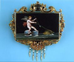 An exceptional micro mosaic depicting Amor riding two shells pulled by two turtles - after antique Roman examples - in an 18 carat gold mounting decorated with shells, flowers, scrolls and leaves with black enamel and little pearls, Rome, circa 1830.
