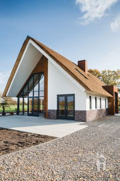 Space Architecture, Beautiful Architecture, Future House, My House, Triangle House, Architect House, House Extensions, Dream House Plans, Story House