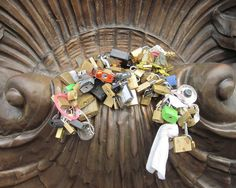 Lock collection - Alexandre III bridge in Paris