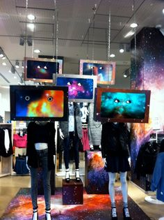 "H&M,Oxford Circus, London UK,""Kelly the youth of today are watching too many reality programs....."", pinned by Ton van der Veer"