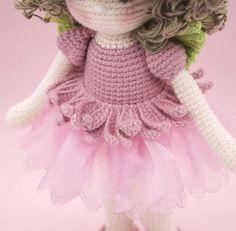 Amigurumi de ganchillo muñeca