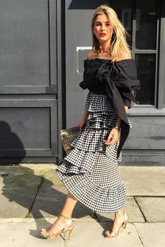 30 Best Summer Outfits Stylish and Comfy Casual Summer Fashion Style. Very Light and Fresh Look. The Best of street fashion in Fashion Blogger Style, Fashion Week, Spring Fashion, Fashion Trends, Moda Fashion, Fashion Bloggers, Street Style Chic, Looks Street Style, Beauty And Fashion