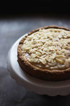 Lemon curd tart | vegan, gluten-free