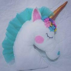 unicornio em feltro - BúsquedadeGoogle Felt Crafts, Diy And Crafts, Arts And Crafts, Sewing Art, Love Sewing, Unicorn Birthday, Unicorn Party, Diy For Kids, Crafts For Kids