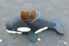 Killer Whale, great idea for a personal Mardi Gras float. Whale Costume, Dolphin Costume, Penguin Costume, Fish Costume, Shark Costumes, Diy Costumes, Shrimp Costume, Whale Crafts, Sea Crafts
