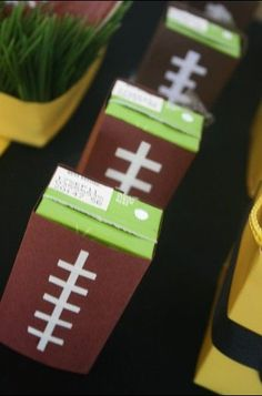 Juice boxes covered in cardstock to look like footballs. this would be great for a football party so the kids feel like they have something really cool to drink (super bowl sunday kids) Football Birthday, Sports Birthday, Sports Party, Birthday Parties, Birthday Ideas, 49ers Birthday Party, Boy Birthday, Birthday Recipes, Soccer Party