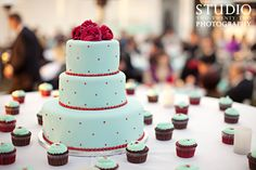 Red and aqua wedding cake