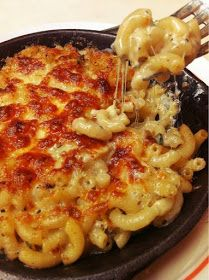 Mac and Cheese pasta Pasta Recipes, Cooking Recipes, Keto Recipes, Healthy Recipes, Food Porn, Comfort Food, Greek Recipes, Healthy Cooking, Healthy Food