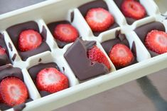 Σοκολατάκια+με+φράουλα+με+2+βήματα!