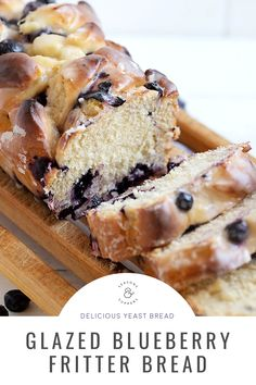 A lovely blueberry yeast bread, filled with lots of blueberries and topped with a sweet, fritter-like glaze. Blueberry Loaf, Blueberry Recipes, Yeast Bread Recipes, Quick Bread Recipes, Lemon Muffins, Gluten Free Muffins, Golden Syrup, Instant Yeast, Frozen Blueberries