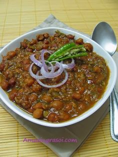 AmazingRasoi: Black chana masala Kabuli Chana, Coriander Powder, Chickpea Recipes, Garlic Paste, Cooking Oil, Chana Masala, Cinnamon Sticks, Indian Food Recipes, Dishes