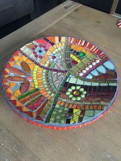 Mosaic Birdbath, Mosaic Garden Art, Mosaic Tile Art, Mosaic Vase, Mosaic Flower Pots, Mosaic Birds, Mosaic Diy, Mosaic Crafts, Mosaic Designs