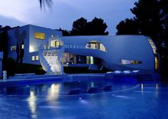 Luxury and Futuristic House by tecARCHITECTURE and Marcel Wanders