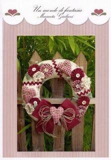 las labores de araceli corona de navidad con yoyos y corazones
