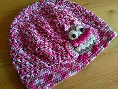 Čepka se sovičkou / Crochet owl beannie