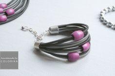 Bracelet Textile avec des perles en bois tchèque  de Colorika sur DaWanda.com