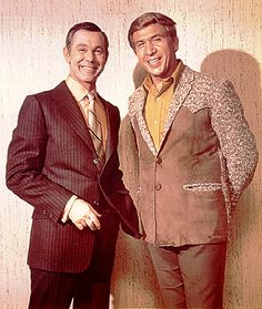 Johnny Carson & Buck Owens Buck Owens, Dwight Yoakam, Johnny Carson, Grand Ole Opry, Great Bands, Country Music, Guitar, Celebrity, Singer