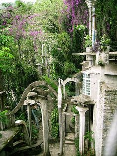 An eccentric poet built this surrealist Xanadu, hidden deep in the rainforest. Visit, and you just may be inspired to write a verse or two yourself!