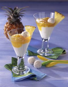 Unser beliebtes Rezept für Kokos-Quark-Creme mit Ananassoße und mehr als 55.000 weitere kostenlose Rezepte auf LECKER.de.