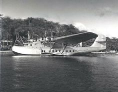 Martin M 130 Flying Boat 12 x Photo on Fuji Crystal Archive Paper Unmounted Amphibious Aircraft, Float Plane, Aircraft Maintenance, International Airlines, Flying Boat, Aircraft Photos, Vintage Airplanes, Civil Aviation, Boat Building