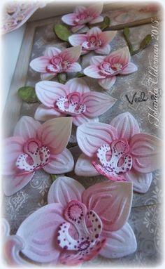 Dit keer heb ik een fotolijstje bewerkt. Ik ben nog steeds gek op de orchideeën mal (COL1379) van Marianne design, dus die zag ik al hele...