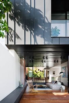 It took a brave architect to restore and extend this century Melbourne home. Step inside the ultra-modern addition and see how he did it. Architecture Details, Interior Architecture, Interior And Exterior, Melbourne House, Modern Mansion, Design Blog, Design Ideas, Facade House, Residential Architecture